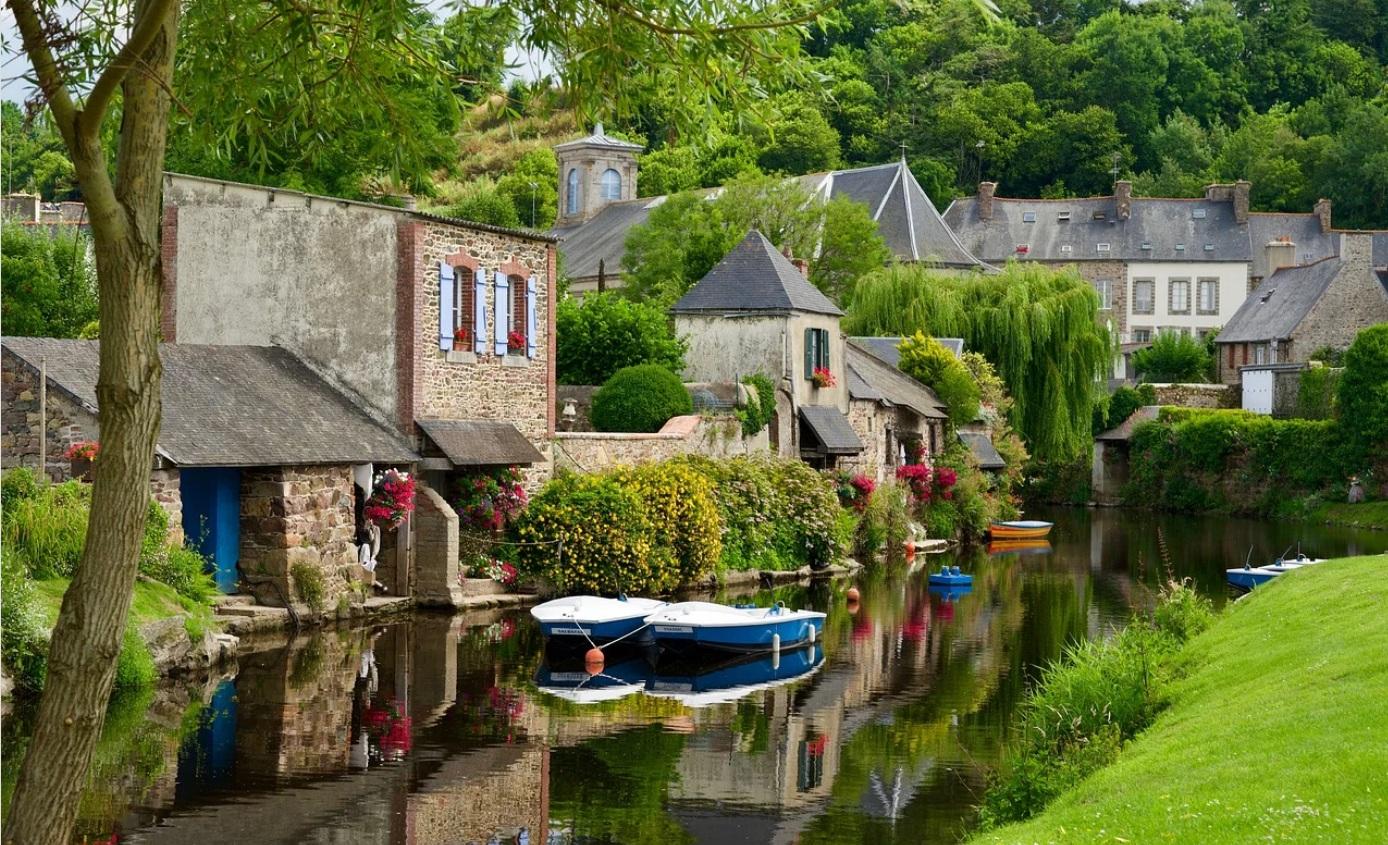 Presqu'île de Crozon, destination idéale pour des vacances en famille en Bretagne